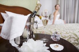 Шампанское в номер для влюбленных