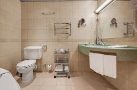 Качественная сантехника в ванной комнате