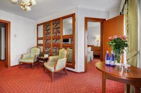Уютная гостиная в апартаментах