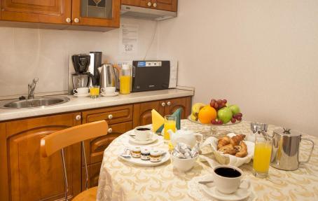 Оборудованная мини-кухня